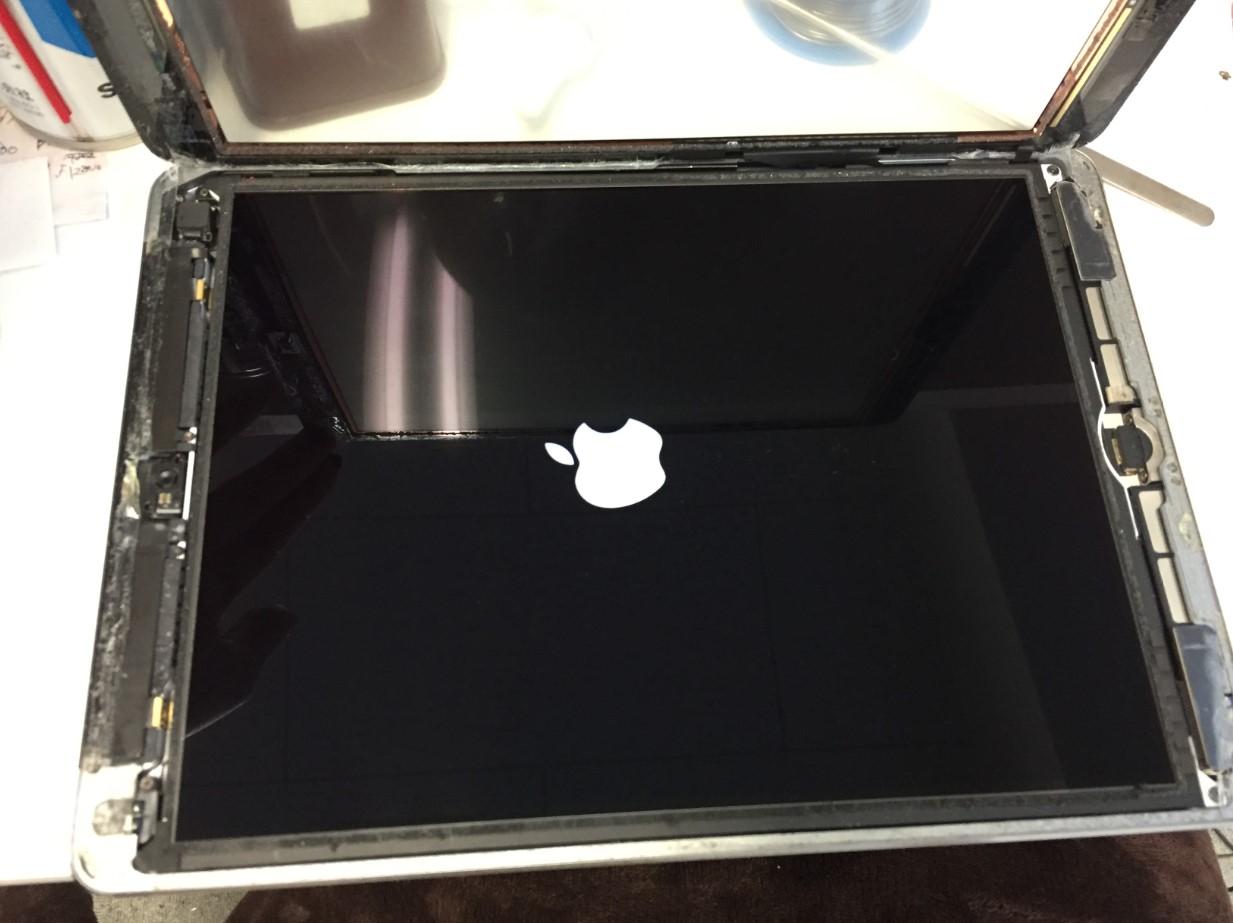 画面を剥がしたリンゴマークから進まなくなったiPadAir