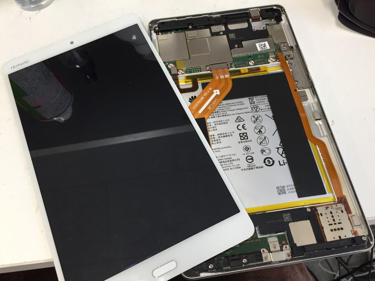 画面を本体から取り出したMediaPad M3(BTV-DL09)