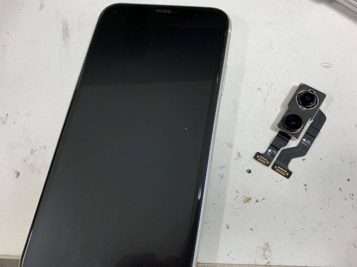 カメラパーツ交換修理後のiPhone11