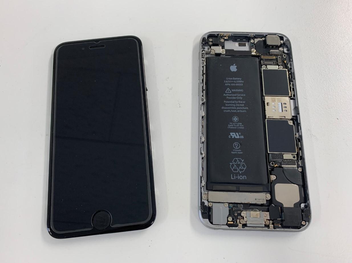 画面を本体から取り出したiPhone6s