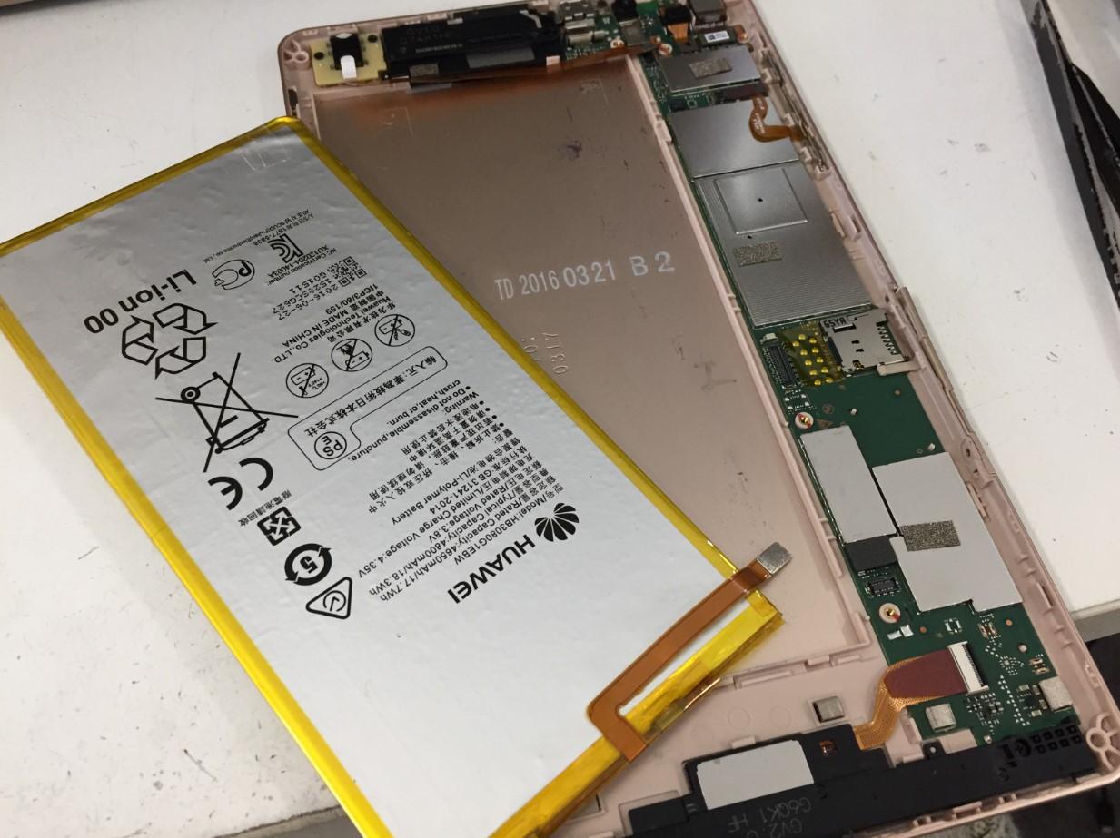 バッテリー新品交換修理後の華為 MediaPad M2 8.0