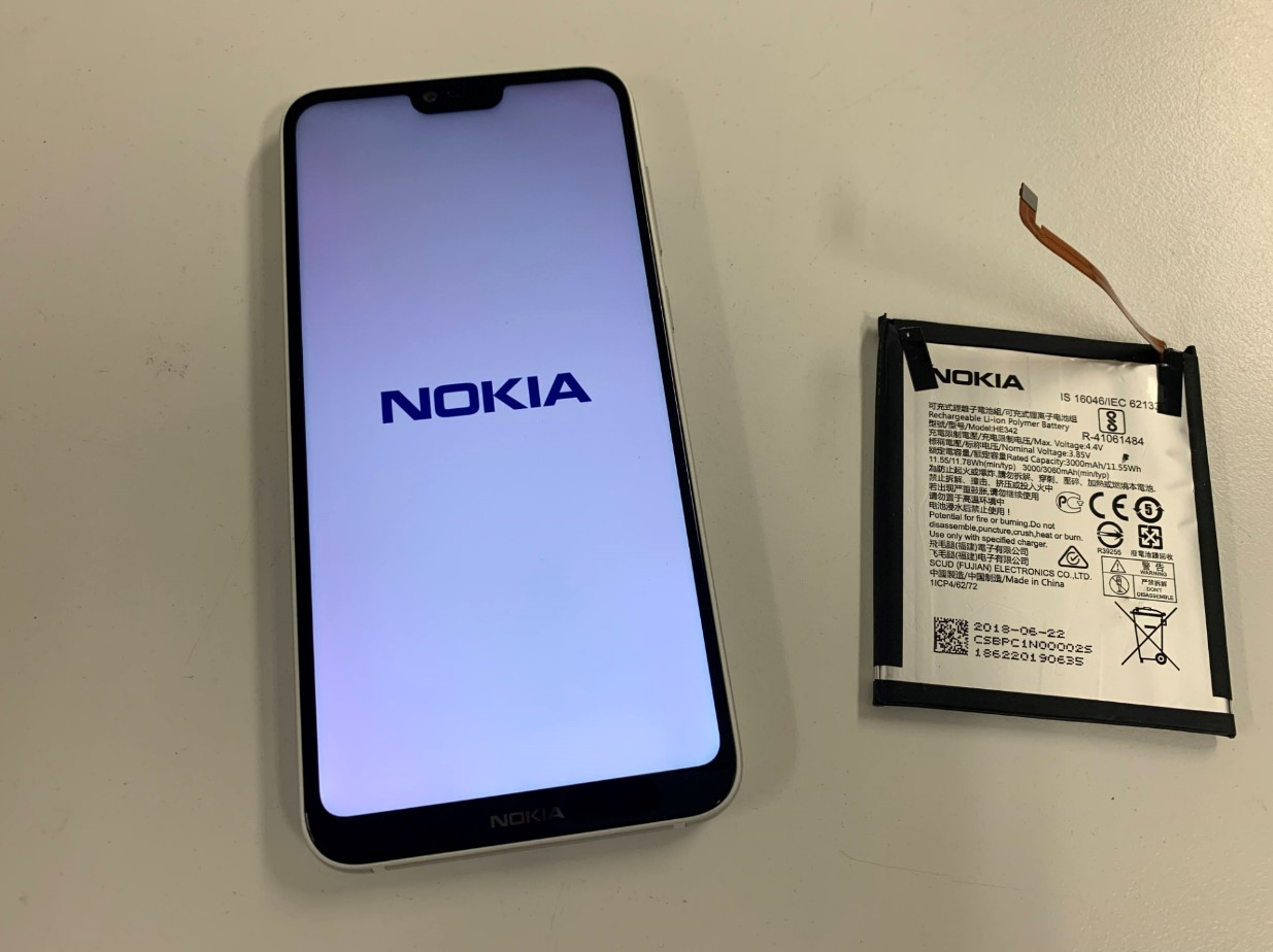 バッテリー新品交換修理後のNokia 6.1 Plus