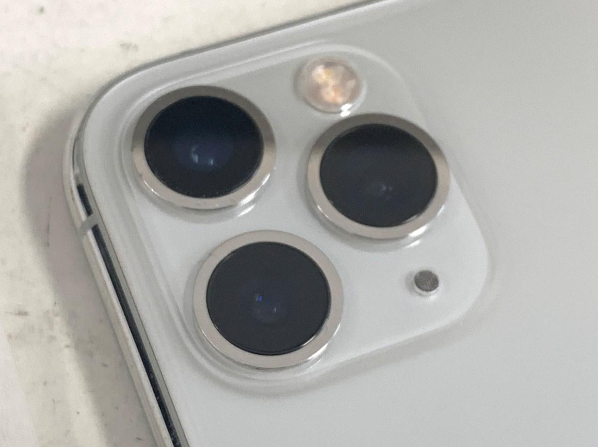 カメラレンズ新品交換修理後のiPhone11Pro