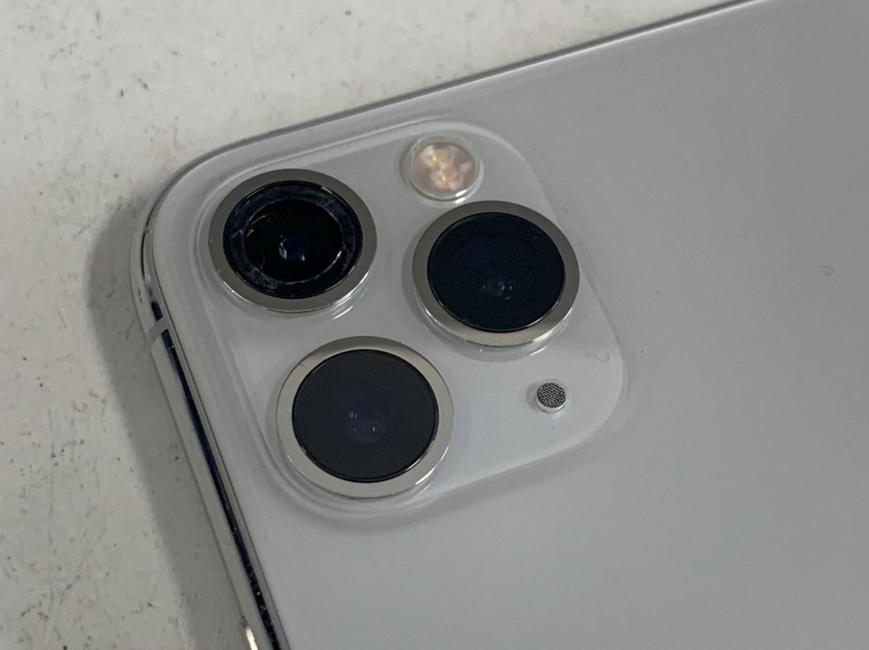 カメラレンズが割れたiPhone11Pro