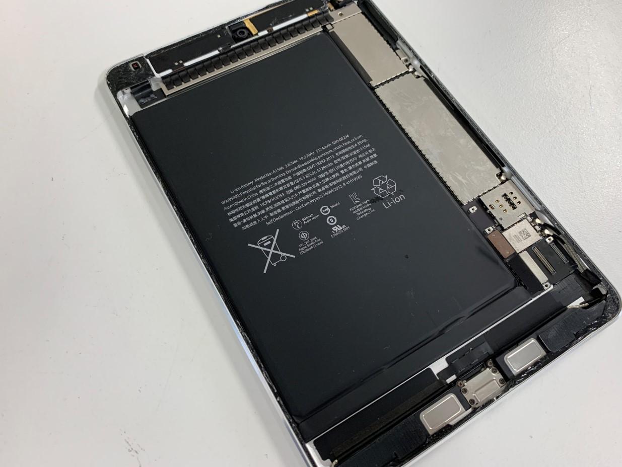 iPad mini4のバッテリーは本体内部の約80%を占めている